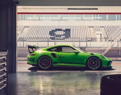 Με Dunlop Sport Maxx Race 2η Porsche 911 GT3 RS