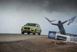 Νέο ρεκόρ από την Bentley Bentayga στο Pikes Peak