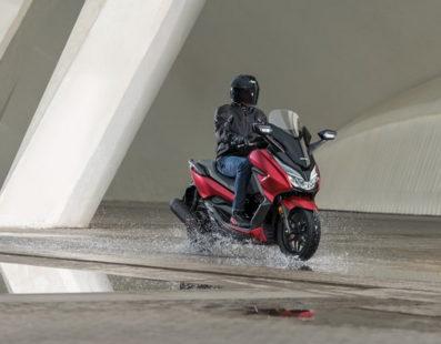 Ανανεωμένο Honda Forza 125