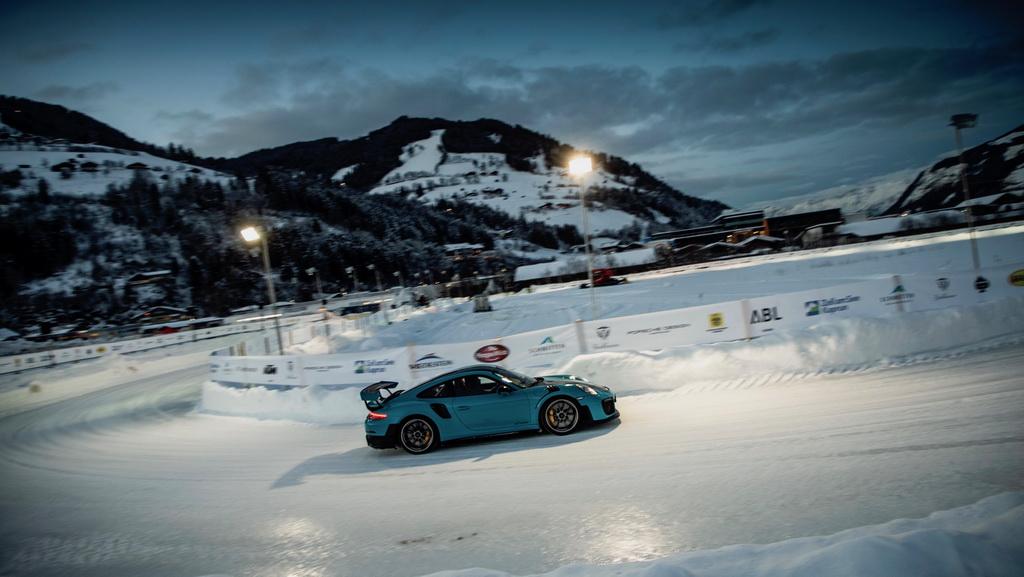 Στις Άλπεις έγινε η παρουσίαση της νέας Porsche 911 (3)