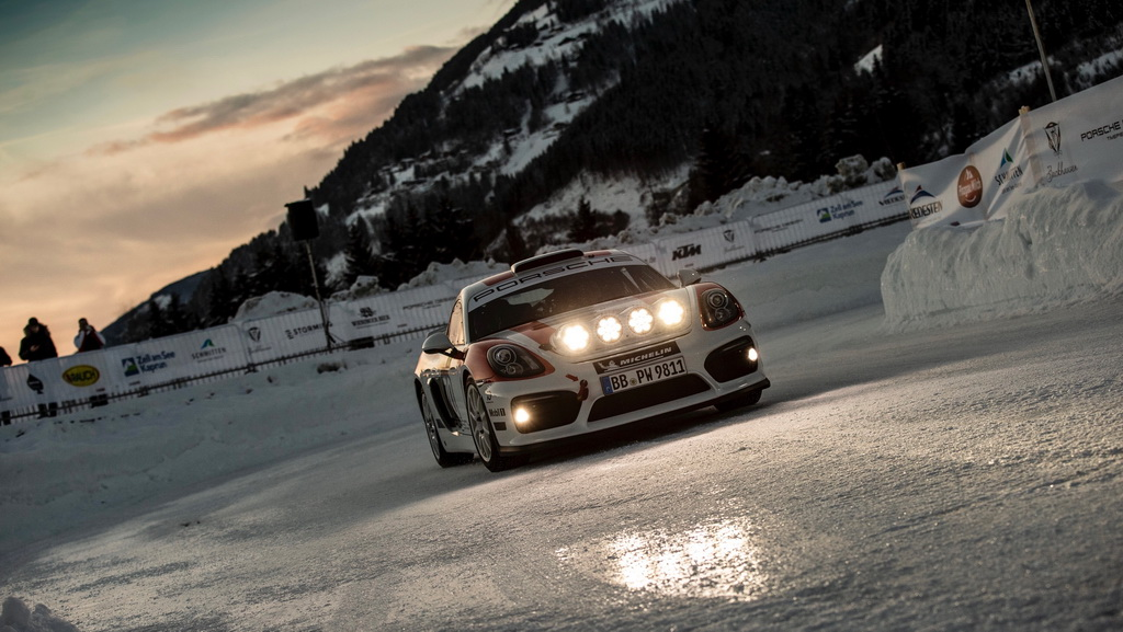 Στις Άλπεις έγινε η παρουσίαση της νέας Porsche 911 (1)