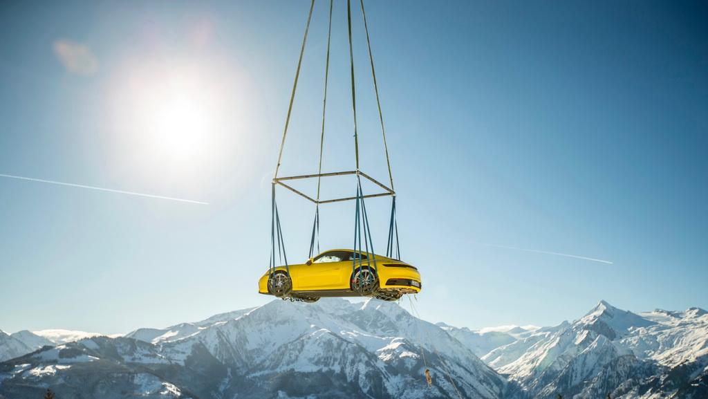 Στις Άλπεις έγινε η παρουσίαση της νέας Porsche 911 (2)