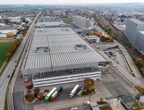 Το εργοστάσιο του BMW Group στο Ντίνγκολφινγκ (1)