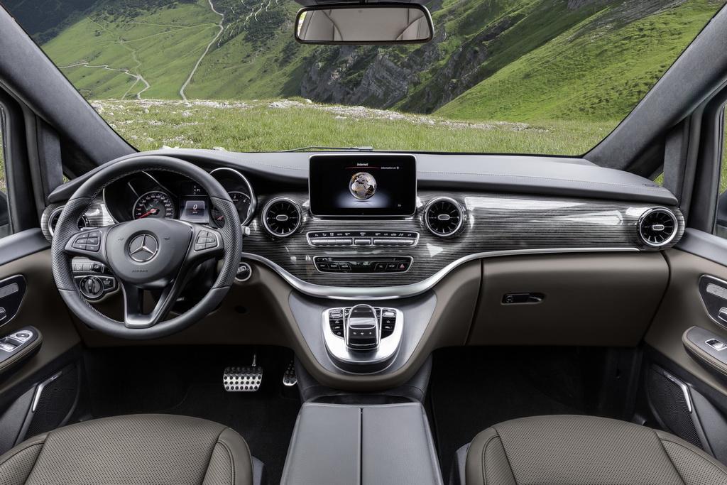 Ανανέωση για τη Mercedes V-Class interior