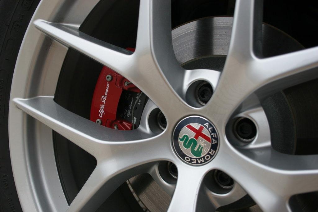 Alfa Romeo Stelvio Q4 2.0T 280PS Auto detail