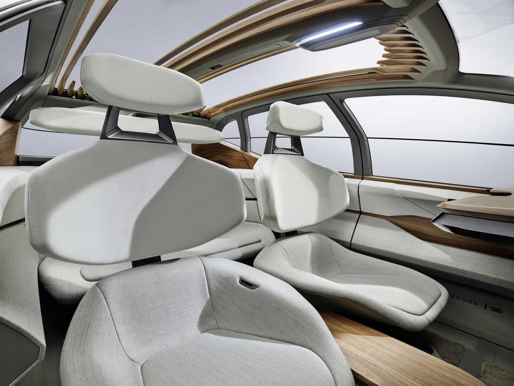 Audi AI:ME interior (2)