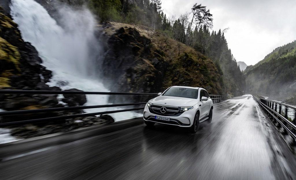 Η Mercedes-Benz ανακοίνωσε τις τιμές της Mercedes EQC 400 4MATIC