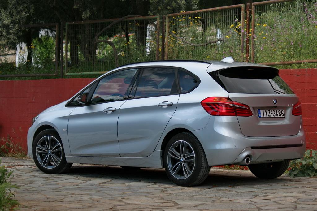 BMW 218i Active Tourer Facelift back