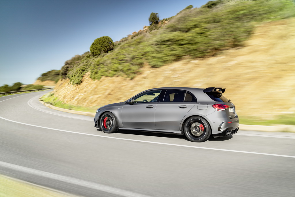 Νέες Mercedes AMG A 45 4MATIC+ και CLA 45 4MATIC+