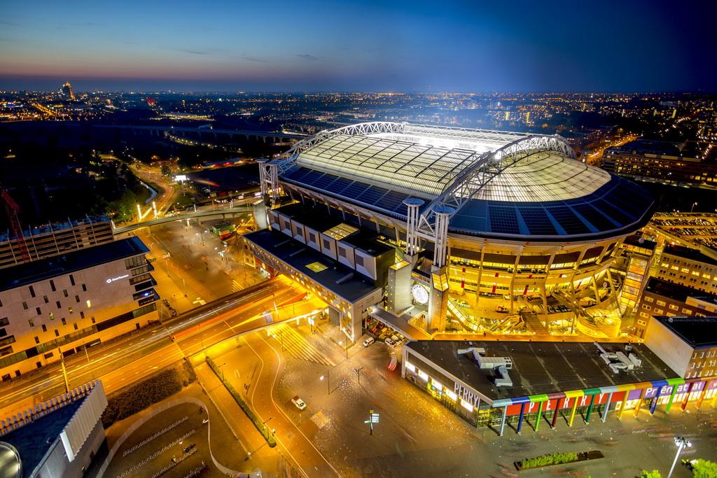 Ευρωπαϊκά γήπεδα ποδοσφαίρου με μπαταρίες από Nissan
