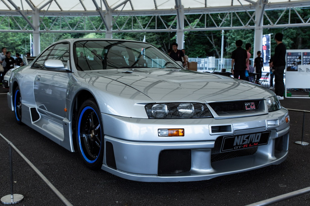 Nissan GT R meeting