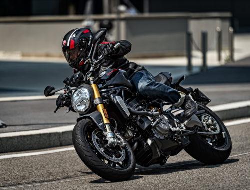 Ducati Monster 1200 S «Black on Black»