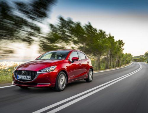 Οδηγούμε το βελτιωμένο Mazda2