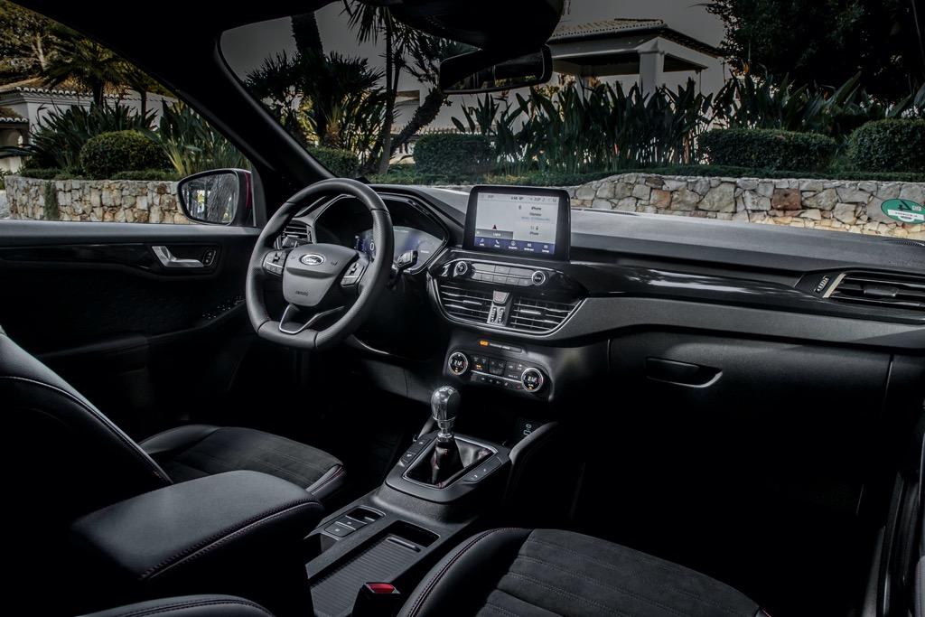 Kuga ST Line-X Ecoblue Hybrid interior