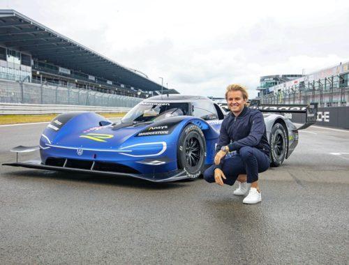 Ο Nico Rosberg δοκιμάζει το αγωνιστικό ID.R