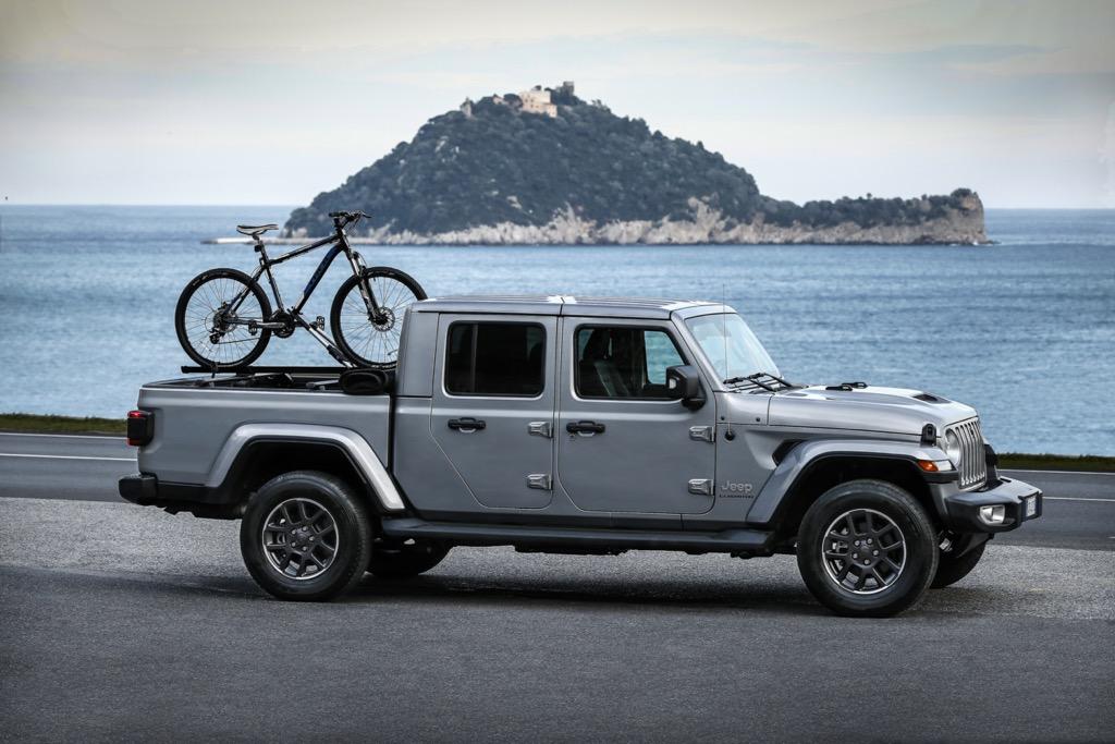 Jeep Gladiator - side