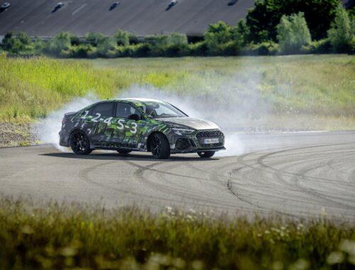 Το νέο Audi RS 3 με κατανεμητή ροπής (RS Torque Splitter)