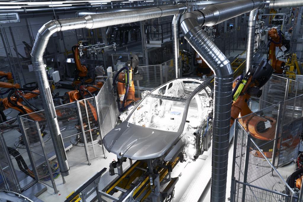 Ξεκίνησε η παραγωγή της BMW iX